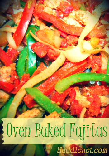 Oven Baked Fajitas - A healthy, sizzling Fajita recipe with just the right amount of heat! Top with sour cream and serve with a side of rice. huddlenet.com #recipes #Mexican #Dinner